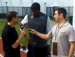Ari and Minnix interview Texans WR Andre Johnson.